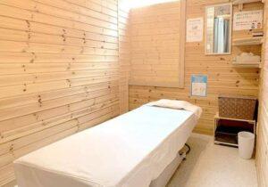 木のぬくもりが感じられる札幌市の鍼灸院